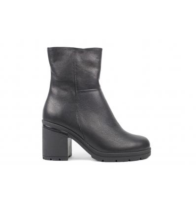 Ботинки женские Krok 630